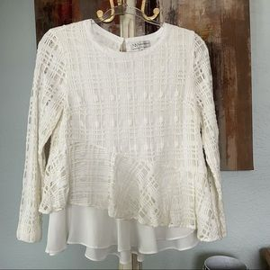 Nieman Marcus Lace Long Sleeve Top Small